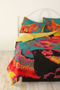 boho floral bedspread Decor, Beds Covers, Urban Outfitters, Bedrooms Beds, Urbanoutfitters Com, Master Bedrooms, Bohemian Floral, Guest Rooms, Bright Colors