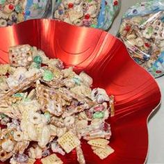 This is a great holiday mix! White Chocolate Chex Mix! chocolates, chocol snack, chocol chex, white chocolate, chex mix, mix recip, christma, holiday snacks, snack mix
