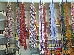 Google Image Result for http://adasspiritworks.net/images/Assorted%2520Santeria%2520Beads%2520(elekes)%2520B5.JPG