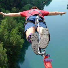 We LIKE bungie jumping. Repin to add to your Exquisite Pinteresting Day board!