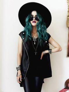 black hair with sea green, hair colors, fashion styles, outfit, blue hair