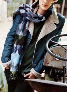 Des chaussettes cousues en écharpe, détournement, recyclage / Socks sewn in scarf, upcycling