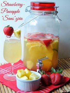 "Strawberry-Pineapple ""Sans""gria  via thefrugalfoodiemama.com #mocktail #lowcalorie #TENways #PMedia #ad"