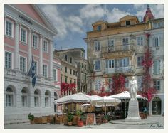 Corfu Stadt. I actually had lunch here!