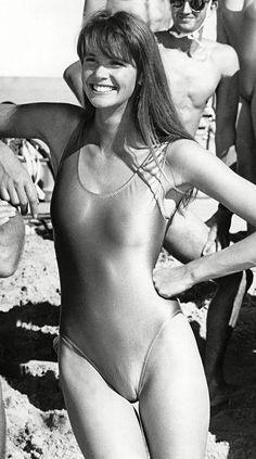 Elle Macpherson aged 25