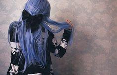 I love weird color hair...especially this one.