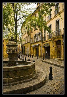 [AIX EN PROVENCE]   Fountain in Aix en Provence / Fontaine à Aix en Provence  #provence #alpes #cote #azur #tourism #tourisme #france #south #sun #aix #aixenprovence #market #fountain #fontaine