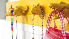 DIY: toy animal rack  For the kid's room (or the entry hallway even :D)  #diy #kids #interiors #creative #idea