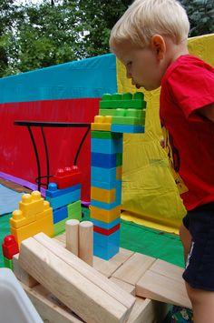 LEGO CHALLENGE - took the idea of simple lego challenges (use only one color, build the tallest tower, make something that moves) to try and get the kids excited before the Maker's Faire #preschool #science #makers #engineers