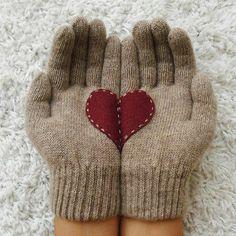 Heart gloves. How cute!