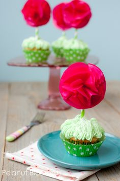 Swiss meringue buttercream frosting: The best frosting you will ever taste! Perfect for these adorable spring cupcakes!