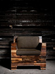 eco-chic interior (reclaimed wooden chair base)