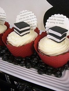 Combining 2 of the best things in the world books and cupcakes