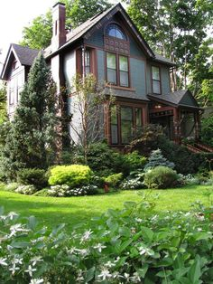 - Fabulous Front Yards From Rate My Space on HGTV - beautiful, layered texturing