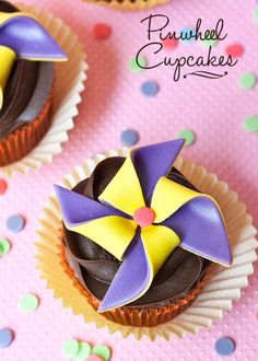 How to Make Pinwheel Cupcake Toppers • CakeJournal.com