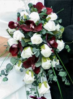 These flowers are not easily available but if you can manage then they will make your wedding more beautiful and they comes in red, pink or white colors.