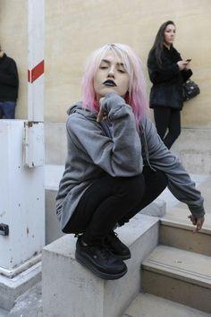 charlotte free, charlott free, ombre hair, soft grunge, casual styles, dark lips, lipstick, pink, pastel hair