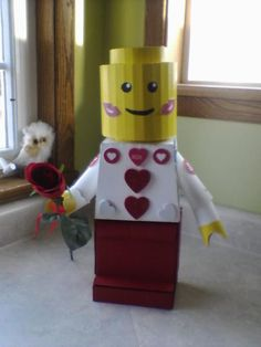 Lego mini figure Valentine's Day card box!