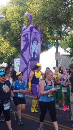 This guy dressed up as Kronk for Disneyland's marathon! so much win!!