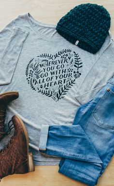 Our flowy longsleeve tees are perfect for cool fall days. Add a beanie, your favorite denim pants & boots and get out and explore! #Sevenly