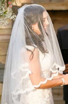 Love how the scallop lace edging on this veil enhances the wedding gown without distracting from it. | Tara Liebeck Photography Chesapeake Virginia