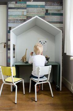 Working desk for kids by Bedhuisje