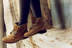 Suede boots. !