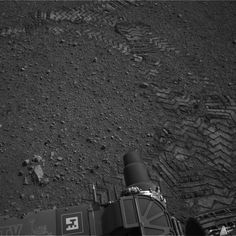 Curiosity cruises around Mars!