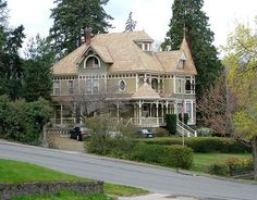 The Williams Victorian Mansion Dalles, Oregon (by rooftop65)