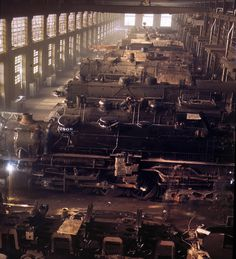 Chicago & North Western railroad locomotive shops at Chicago. December 1942. 4x5 Kodachrome transparency by Jack Delano.