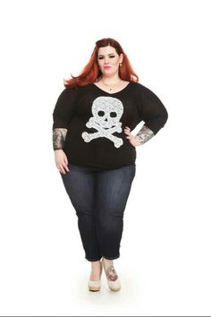 Tess Munster rocking the jeans and skull