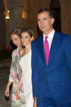 MYROYALS &HOLLYWOOD FASHİON - King Felipe, Queen Letizia  and Queen Sofia attended a reception to the authorities and society of the Balearic Islands at the Almudaina Palace in Palma de Mallorca.