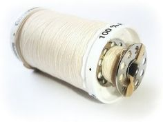 Holding the spool and bobbin together - this is brilliant.