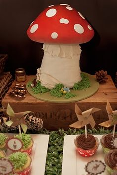 Toadstool party cake