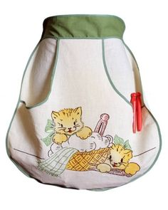 green kitten apron...pocket detail...