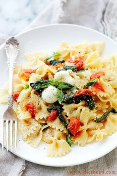 One Pot Caprese Pasta Recipe Dinner #recipe