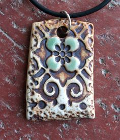 Rustic+Celadon+Flower+Porcelain+Pendant+by+muddyfingers+on+Etsy clay, altr, bijouteri, etsi, céramiqu, collaret, cerâmica, flowers, ceramica