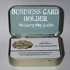 Business Card Holder out of an Altoids Tin ♥ www.thecraftyblogstalker.com #Upcycle