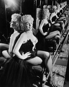 Marilyn Monroe  ♥✿´¯`*•.¸¸✿♥✿´¯`*•.¸¸✿♥✿´¯`*•.¸¸✿♥✿´¯`*•.¸¸✿♥✿´¯`*•.¸¸✿