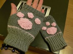 The Blattcave: Fingerless Mitts