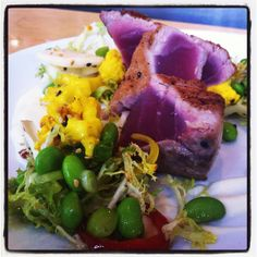 Seared tuna, cauliflower puree