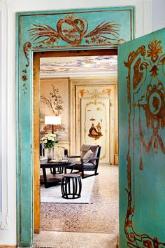 A Video Tour of Venice's New Boutique Hotel, Where You'll Sleep Like a Royal (and Escape all the Tourists)