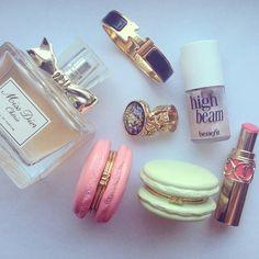 rosyy-vibes:  ♡ rosy blog! ♡ accessori, bag, makeup, macaroon, dior, lipstick, beauti, coin purses, chanel barbi