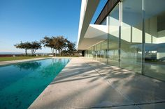 Modern Residence by Topos Atelier de Arquitectura
