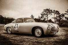 Mercedes-Benz 300 SL at the break of dawn. The elegance of racing...    Original photograph: Royce Rumsey / Auto-Focused