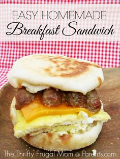 Easy Homemade Breakfast Sandwich-- cheaper than buying them pre-made and they can be frozen for easy breakfasts all week. Plus, learn the secret to making perfectly scrambled egg squares for the egg layer!