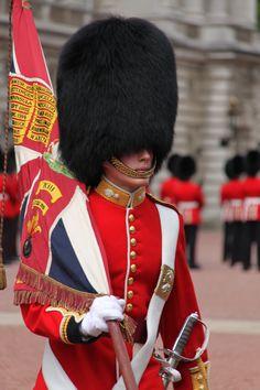 London:  Buckingham Palace Guard