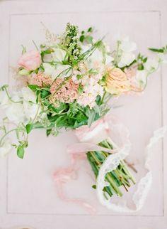 Summer bouquet: http://www.stylemepretty.com/tennessee-weddings/2014/10/21/enchanted-southern-summer-wedding-inspiration/   Photography: Ashley Upchurch - http://ashleyupchurchphotography.com/