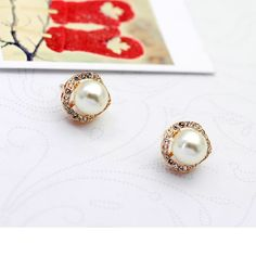 Elegant Ball Earrings With Shiny Rhinestone And Simulated Pearls$15.00 ,Style No.: LJE00012