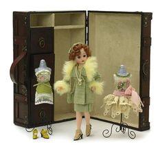 Madame Alexander Dolls 1920'S Cissette Trunk Set